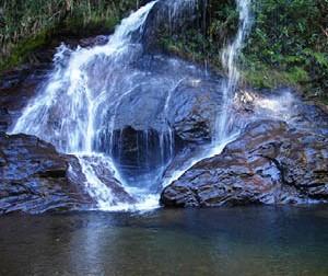 Descubra Itabirito: Guia de cachoeiras incríveis para você aproveitar neste verão!