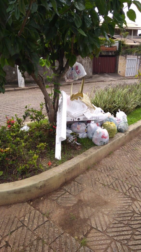População tem o dever de ajudar na limpeza da cidade (Créditos: Divulgação)