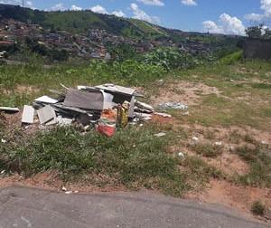 Maus exemplos de limpeza: Itabirito precisa da colaboração de cada cidadão para manter a cidade limpa